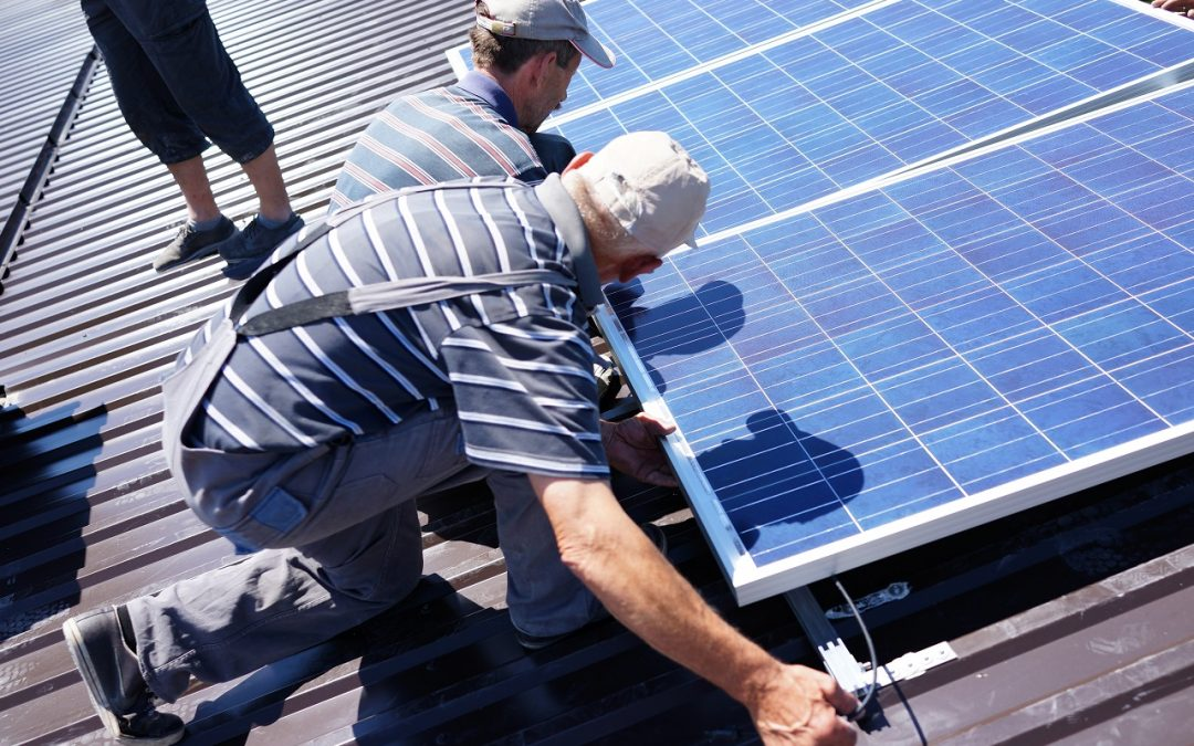 How to Safely Install Solar Panel on Your Roof